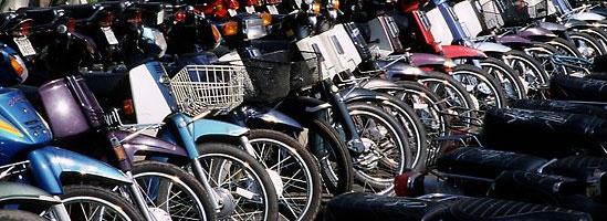 Lumea pe două roţi, prin viziera unui motociclist