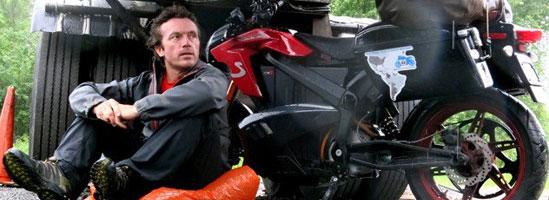 Record Guinness: călătorie de 12.644 km pe o motocicletă electrică