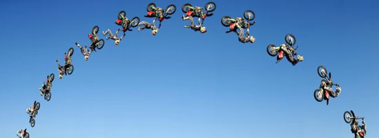 Motociclismul - libertate, pericol, adrenalină şi respect