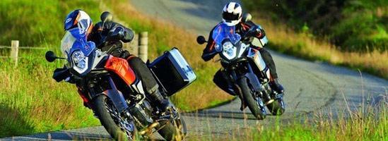 Luna iubirii. De ce iubim motocicletele?