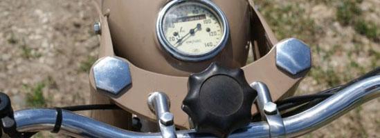 Motocicletă custom. Pasiune şi răbdare