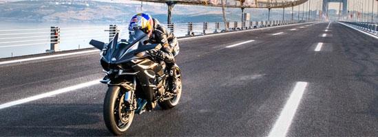 Kenan Sofuoglu atinge 400 km/h în şaua unui Kawasaki H2R